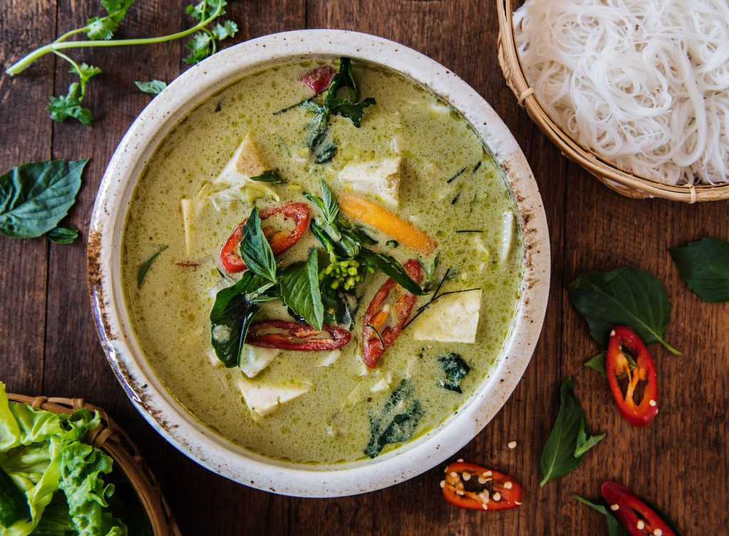 Low-calorie Thai Green Vegetable Curry | Thai Recipes | GoodtoKnow